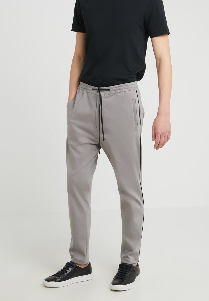 DRYKORN - JEGER - Trousers - grey