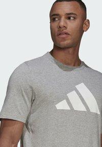 adidas Performance - BADGE OF SPORT - Print T-shirt - grey - 3