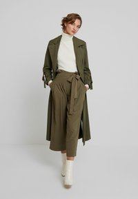 Louche - RICO - Trousers - khaki - 2