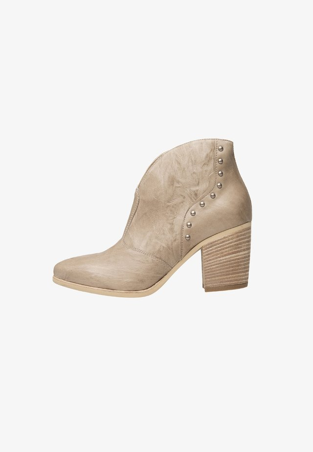 Ankle boots - champagne