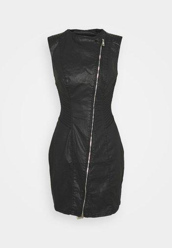 SHILA DRESS - Pouzdrové šaty - harrogate