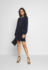 Nly by Nelly - BALLOON SLEEVE DRESS - Cocktailkjole - blue - 1