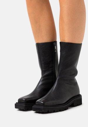 BONNIE - Boots - black grainy