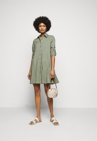 Steffen Schraut - LIZA SUMMER DRESS - Shirt dress - jungle - 1