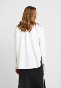 Gina Tricot - MISSY - Button-down blouse - offwhite - 2