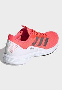 adidas Performance - SL20 SHOES - Löparskor stabilitet - pink - 5