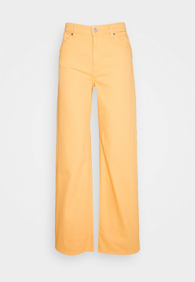 YOKO - Džíny Straight Fit - mango yellow