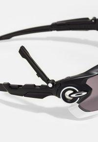 Oakley - JAWBREAKER - Sportovní brýle - matte black - 4