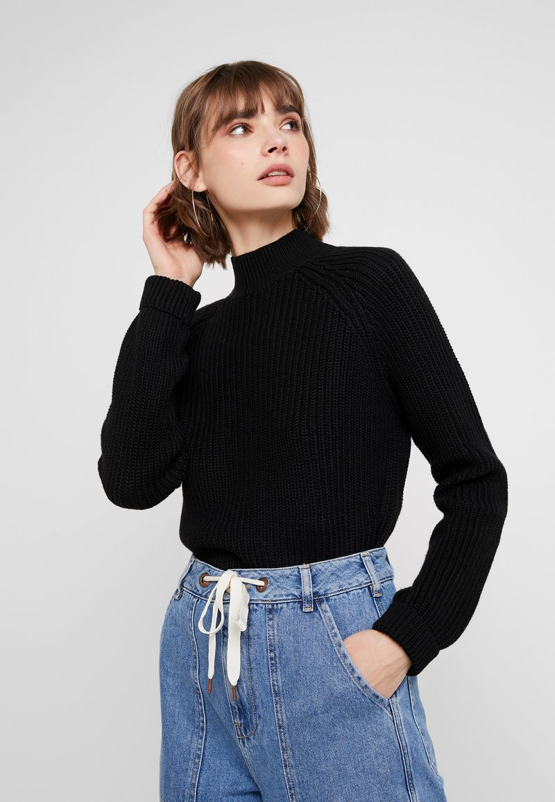 Noisy May - NMSIESTA HIGH NECK CROPPED - Neule - black