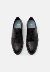 JOOP! - PERO KLEITOS BROUGE LACE UP - Smart lace-ups - black - 3