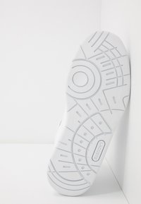 Lacoste - TRAMLINE MID  - High-top trainers - white - 5