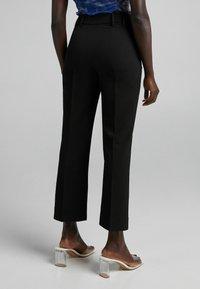 Bershka - Spodnie materiałowe - black - 2
