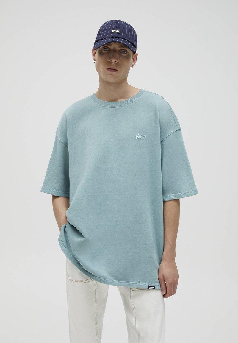 PULL&BEAR - T-shirt - bas - green
