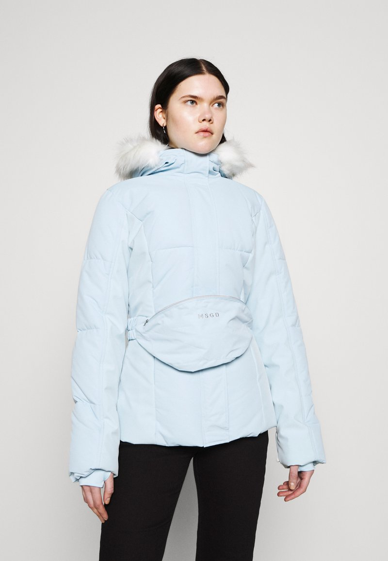 Missguided - SKI JACKET WITH MITTENS AND BUMBAG  - Winter jacket - light blue