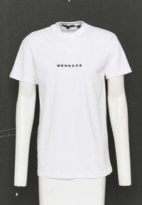 Mennace - CLUB UNISEX - T-shirt imprimé - white - 2
