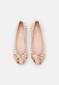 KHARISMA - Ballerinat - laminato rosa/oro/bianco - 4