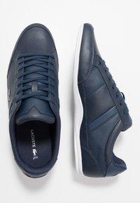 Lacoste - CHAYMON - Sneakersy niskie - navy/white - 1