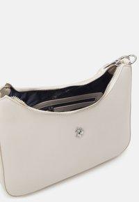 U.S. Polo Assn. - JONES SMALL HOBO - Handbag - sand - 2