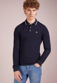 Emporio Armani - Poloshirt - blu scuro - 0