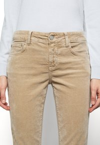 CLOSED - BAKER - Trousers - honey - 5
