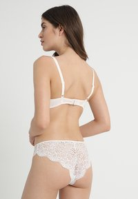 Passionata - EMBRASSE MOI - Beugel BH - champagner - 2