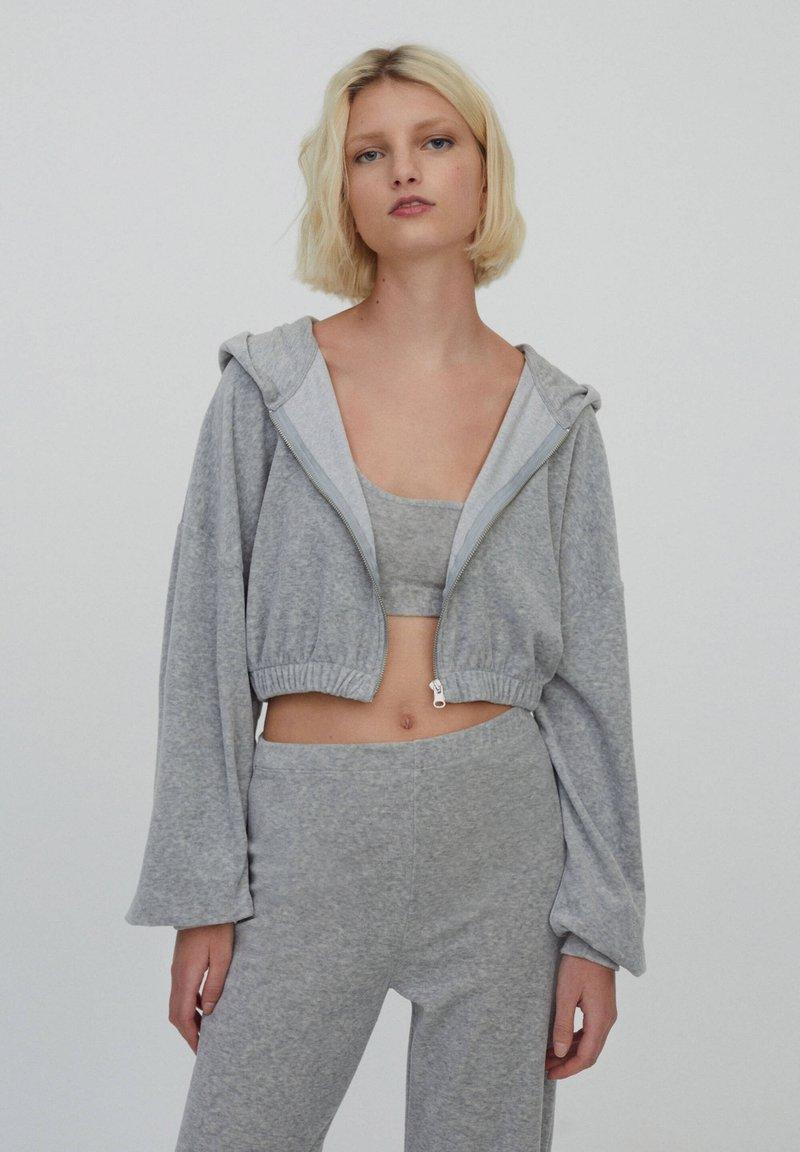 PULL&BEAR - Zip-up sweatshirt - grey