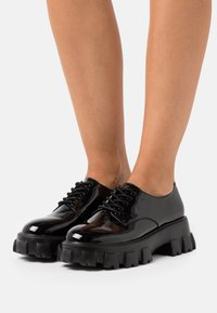 Nly by Nelly - BITE IT DERBY - Lace-ups - black - 0