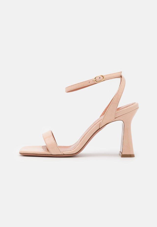 ALYSSA - Sandaalit nilkkaremmillä - nude