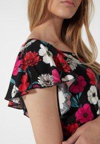 Tezenis - MIT VOLANTÄRMEL - Day dress - nero st.blossom pink - 3