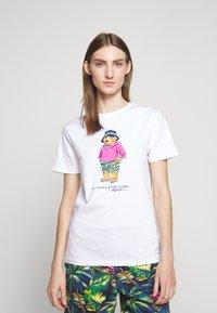 Polo Ralph Lauren - T-shirt imprimé - white - 4