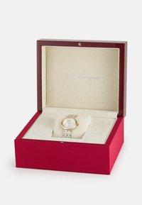 Salvatore Ferragamo - SIGNATURE - Watch - silver-coloured - 5