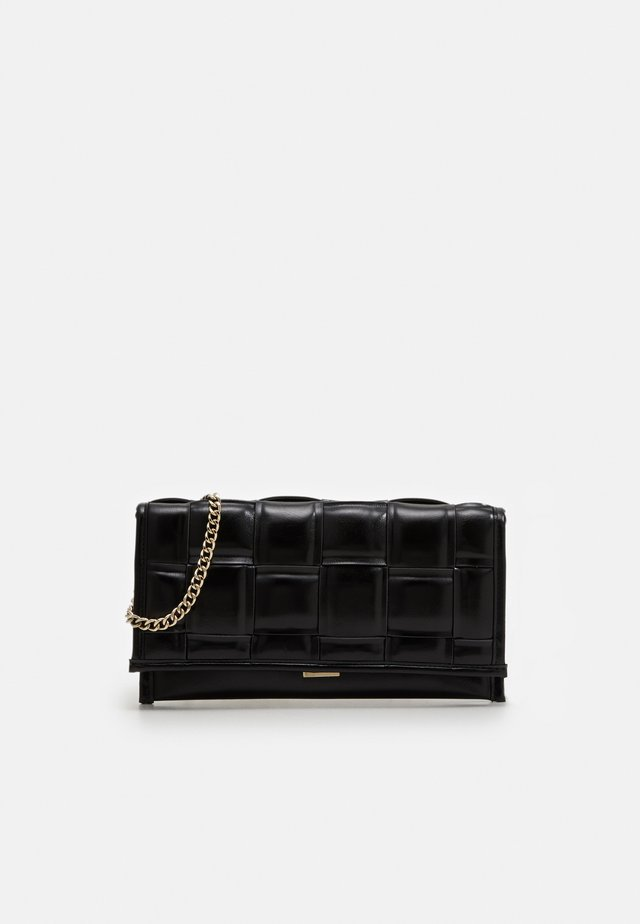 BTANGLED  - Clutch - black