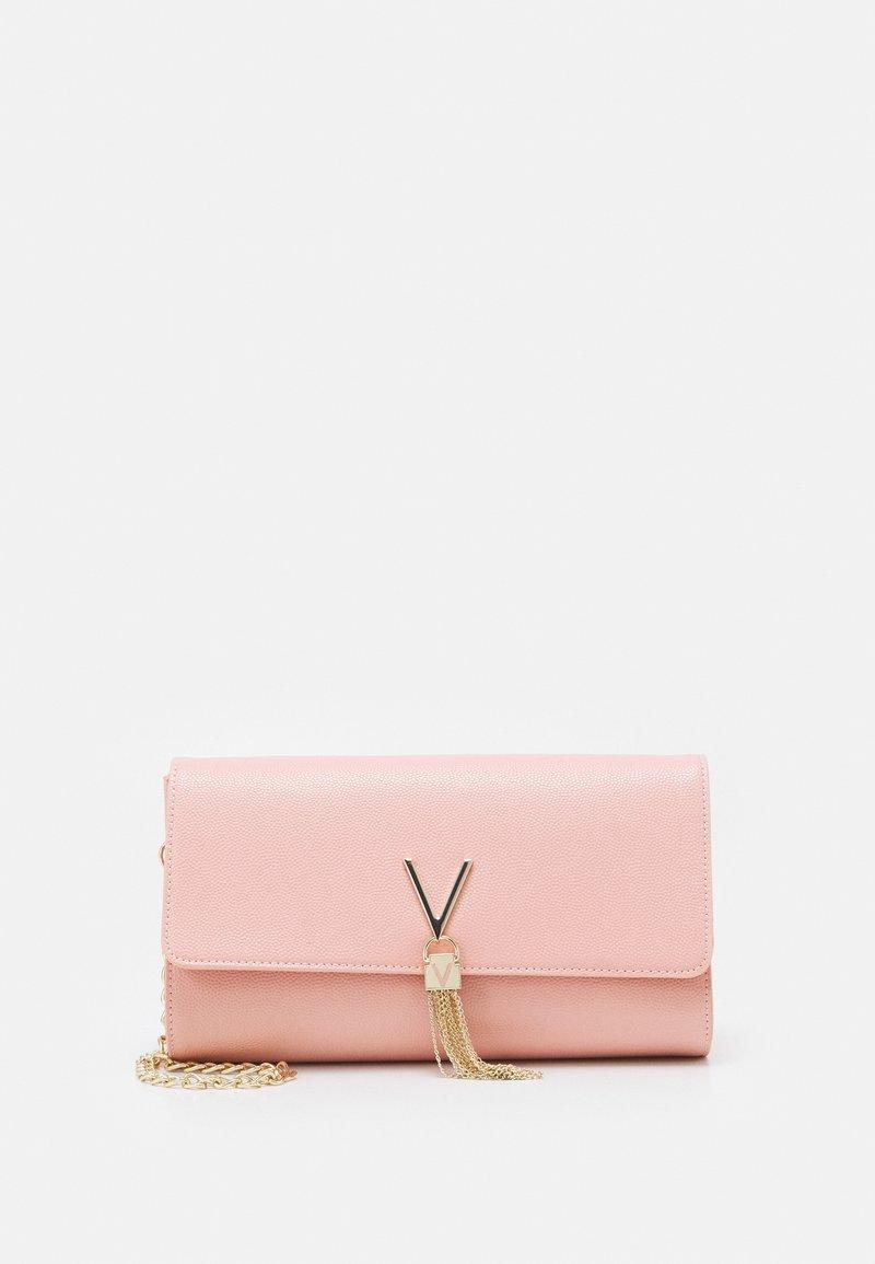 Valentino Bags - DIVINA - Clutch - rosa