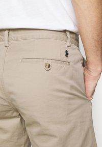 Polo Ralph Lauren - STRAIGHT FIT BEDFORD  - Shorts - khaki/tan - 3
