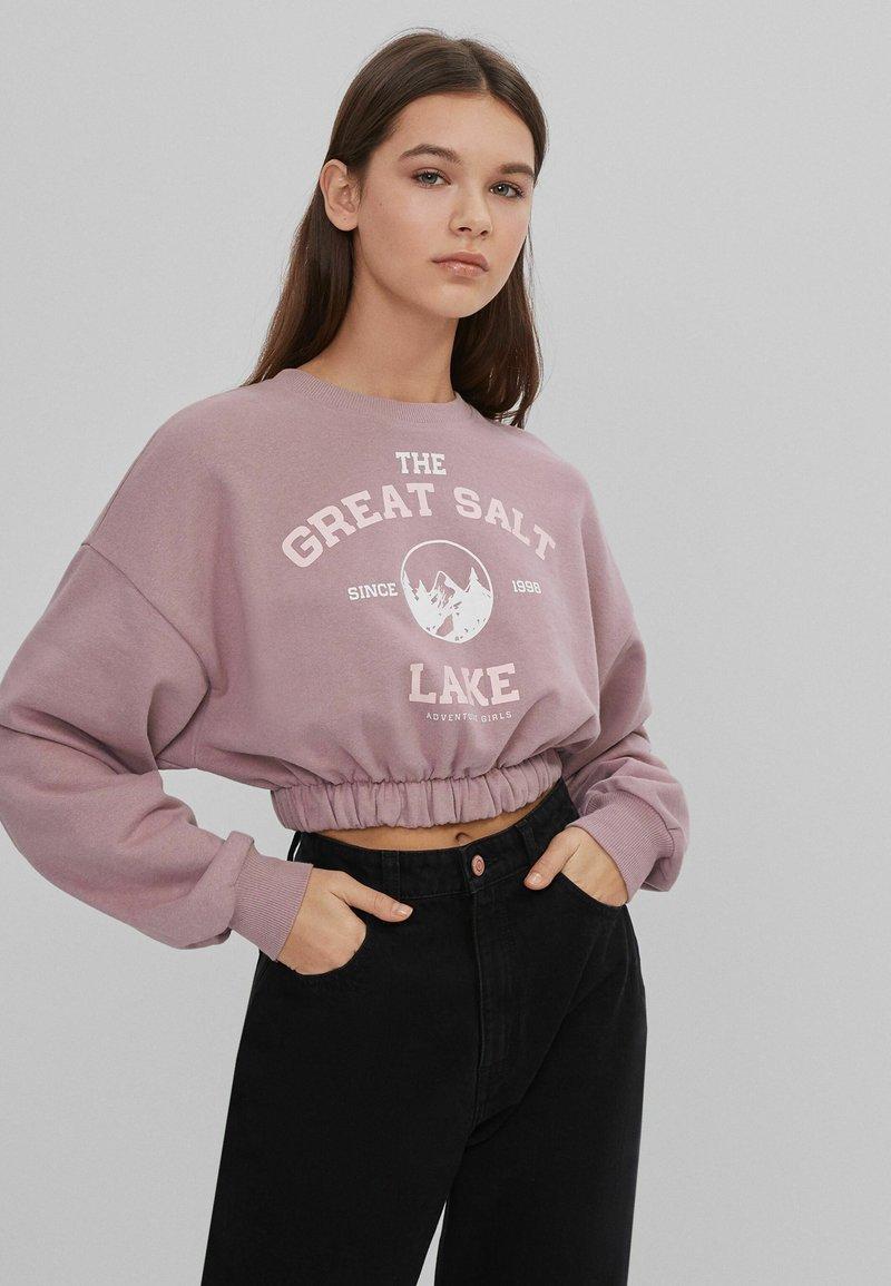 Bershka - MIT GUMMIZUG  - Sweatshirt - pink