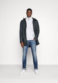 Tommy Jeans - SCANTON - Slim fit -farkut - light blue denim - 1