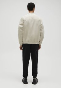 PULL&BEAR - Giubbotto Bomber - light brown - 2