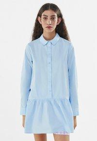 Bershka - Robe chemise - light blue - 0