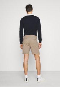 Selected Homme - SLHSTORM FLEX - Shorts - petrified oak/mix bungee - 2