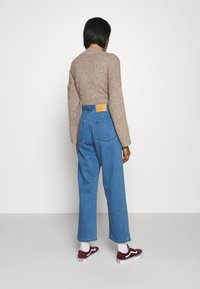 Afends - SHELBY - Straight leg jeans - classic blue - 2
