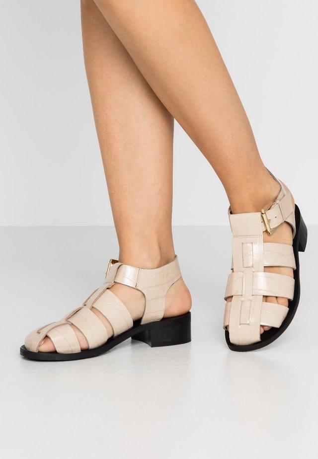FRANCESCA - Sandaalit nilkkaremmillä - natural