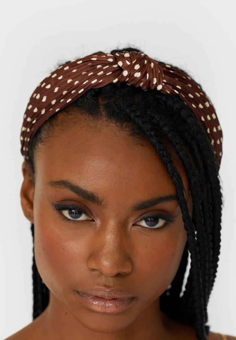 Stradivarius - Hair styling accessory - dark brown