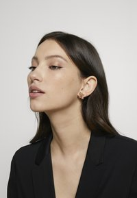Swarovski - TROPICAL - Earrings - gold-coloured - 1