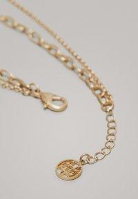 Massimo Dutti - MIT MÜNZE UND PERLE - Necklace - gold - 4