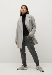 Violeta by Mango - RUNNER-I - Tracksuit bottoms - grau - 1