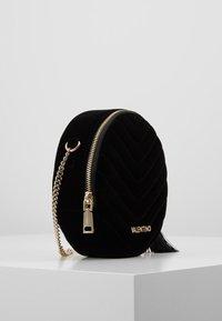 Valentino by Mario Valentino - CARILLON - Across body bag - nero - 2