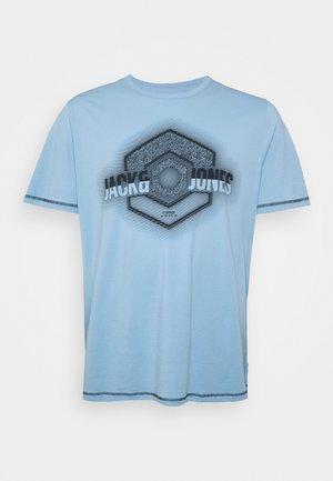JCOLOGO UNIVERSE TEE CREW NECK - Print T-shirt - dusk blue