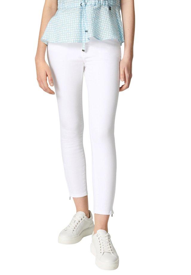 Skinny džíny - weiß