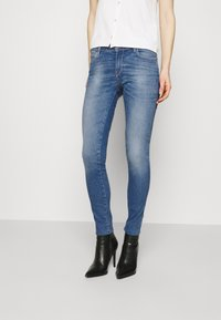 Guess - ULTRA CURVE - Jeans Skinny Fit - born to run - 2