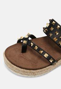 Madden Girl - CASE - T-bar sandals - black - 5